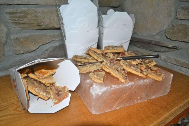 friendsgiving pecan pie bark